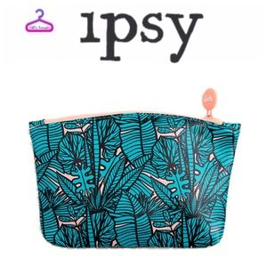 🚨NEW🚨NWOT•IPSY•Leaf Print Makeup Bag